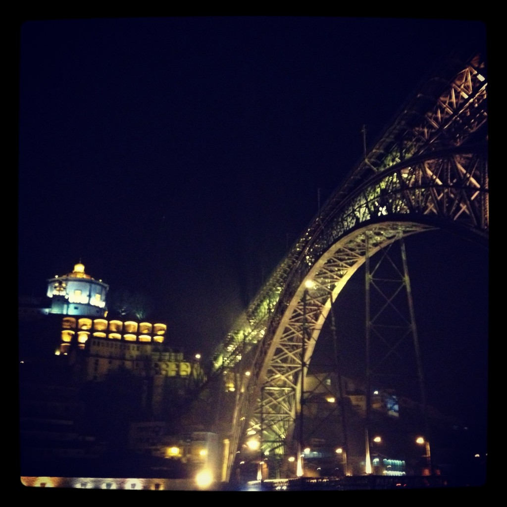 Dom Luis Bridge at night.