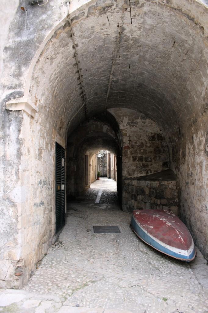 Dub-alley-boat