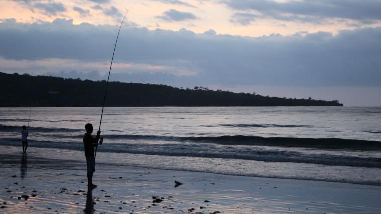 beach-bali-fishing